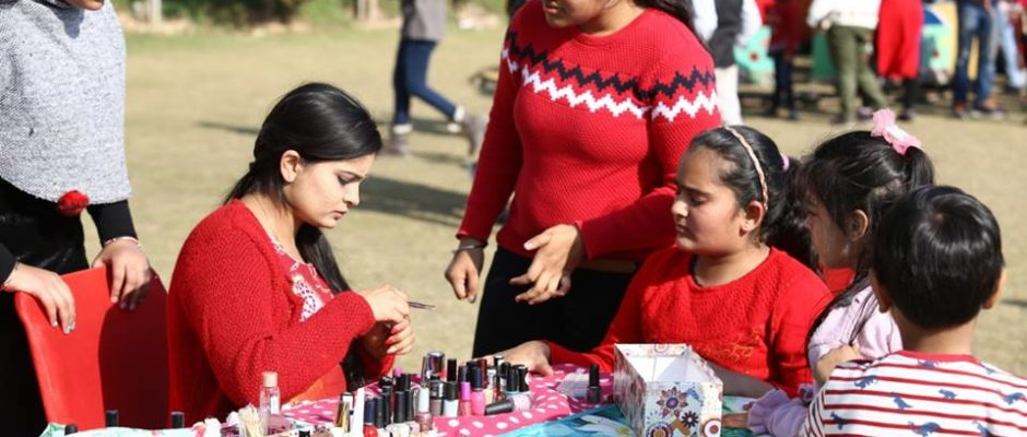 "Dikshantians organized a fun-filled Christmas fete ""Christmas Fiesta"" at their campus yesterday. Students with the help of their teachers managed their stalls with lot of enthusiasm. Arrangement of the material for food and game stalls, decoration, cooking was all carried out by students. Not only was the fete unique due […]"